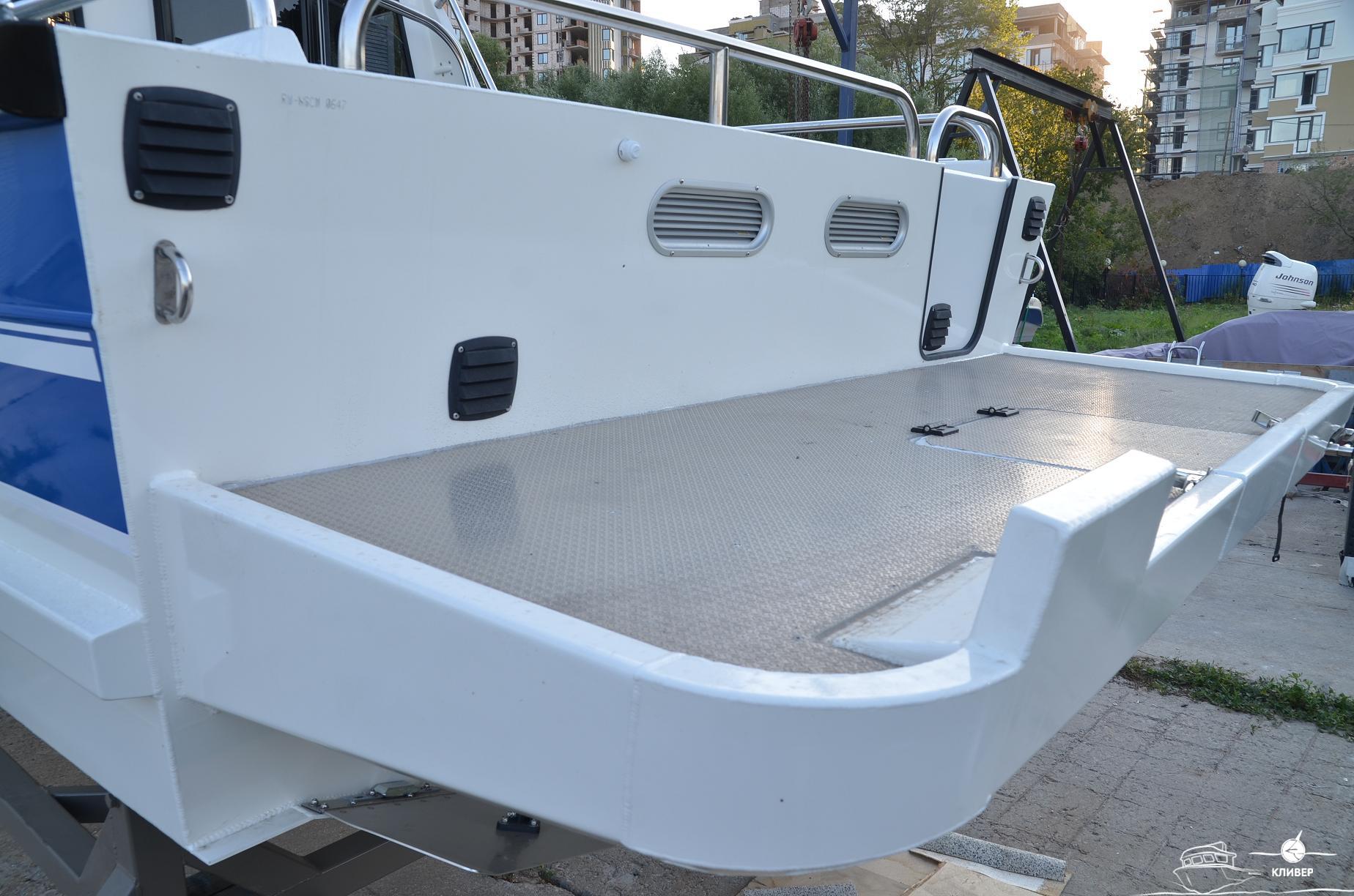 Кормовая часть катера North Silver PRO 920 М St