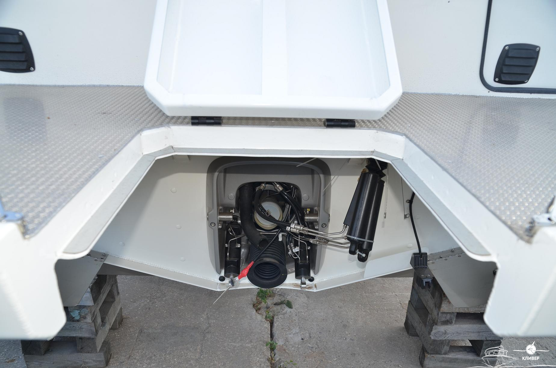 Место для двигателя катера North Silver PRO 920 М St