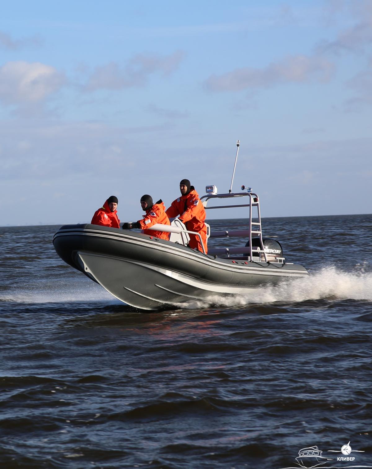 лодки на комендантском