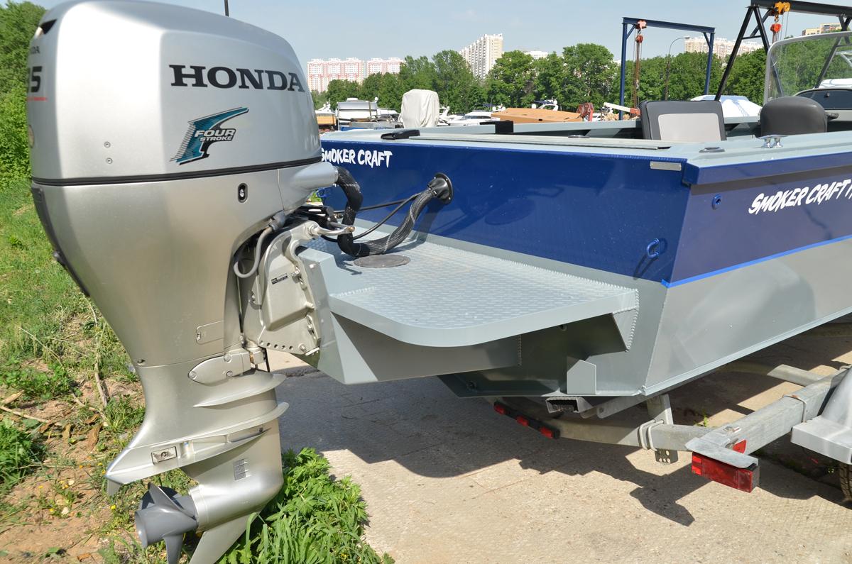 установка на лодку 2 подвесных моторах