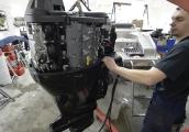 Установка подвесных лодочных моторов